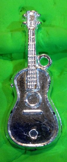 131_365 Guitars